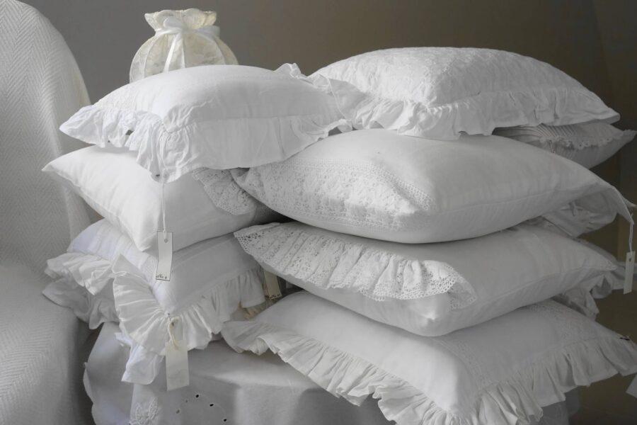 Poduszki i wałki z siemienia lnianego – sprawdź ich właściwości i wpływ na nasze zdrowie